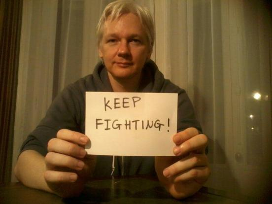 julian-assange-keep-fighting