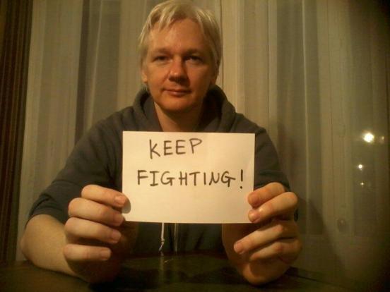 julian-assange-keep-fighting